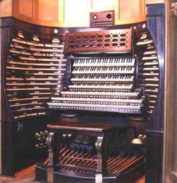 photo of the console of the organ at the Atlantic City convention hall
